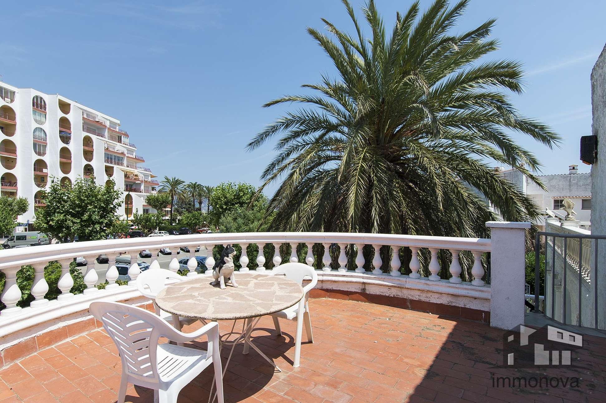 House in the center 100 meters from the beach for sale Empuriabrava